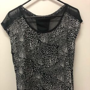 Fabletics black and white mesh top L
